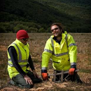 Wardenaar coring is fun! (Photo: D. Mauquoy)