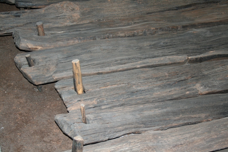 Close up of preserved Corlea trackway, Ireland (Credit: Ingo Mehling via Wikimedia Commons)